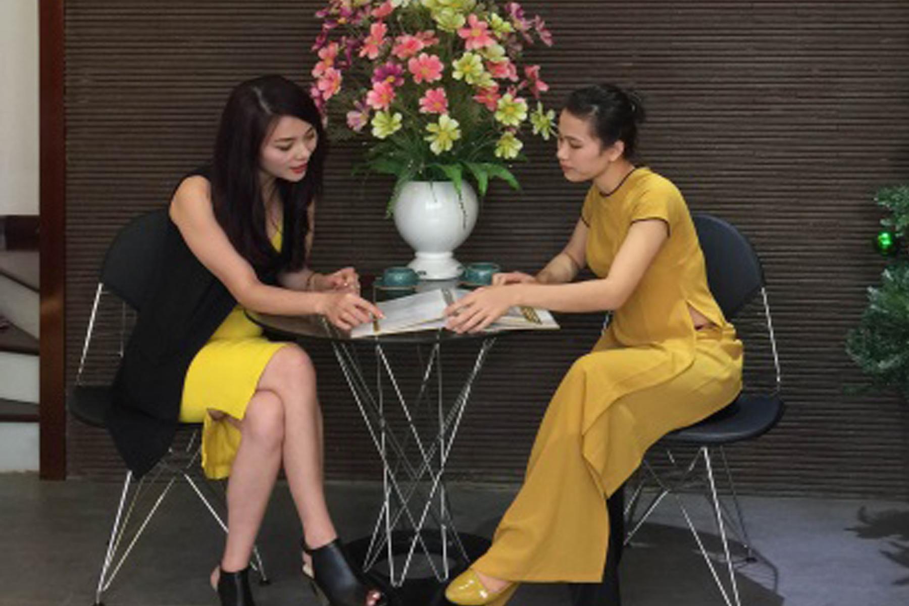 Hoa hậu quý bà Hoàng Yến tại Thẩm Mỹ Viện Thanh Quỳnh